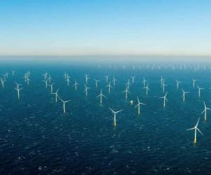 Bretagne-Macron-relance-les-projets-d-eoliennes-offshore